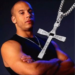 Cross Pendant Necklace Silver Stainless Steel Unis